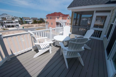 Top Deck / For More Info on vacationing in this home Visit:http://www.carolinadesigns.com/corolla-vacation-rental/480-ten-tan-toes/